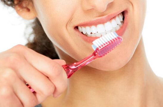 掌控糖尿病-糖尿病并发症牙周炎配图